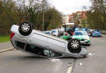4 von 10 Unternehmen der Automobilbranche sehen Software-Entwickler bei Unfällen in der Verantwortung