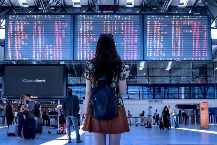 Acht von zehn wünschen sich smarte Shoppingangebote im Flugzeug