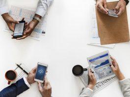 Digitale Kompetenzen: Knapp sechs von zehn Unternehmen investieren.