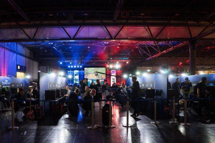 Jeder Zehnte hätte Interesse, ein E-Sport-Event live vor Ort zu besuchen.