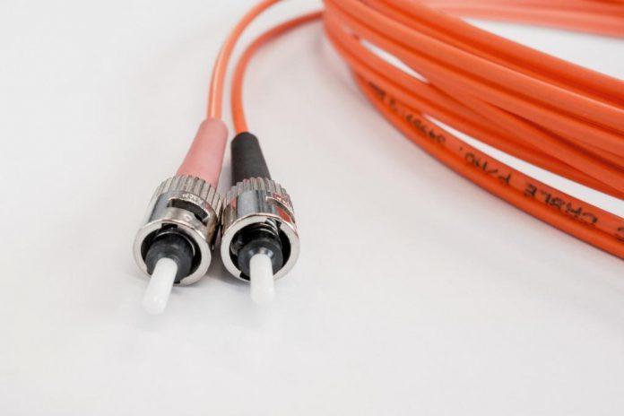 Telekom: Glasfaser für fast 19.000 Unternehmen kommt.