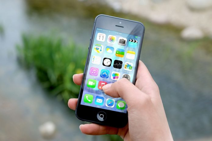 Versicherungs-Abschluss per Smartphone